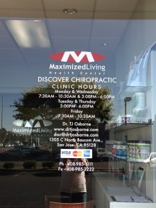 window lettering-discover chiropractic
